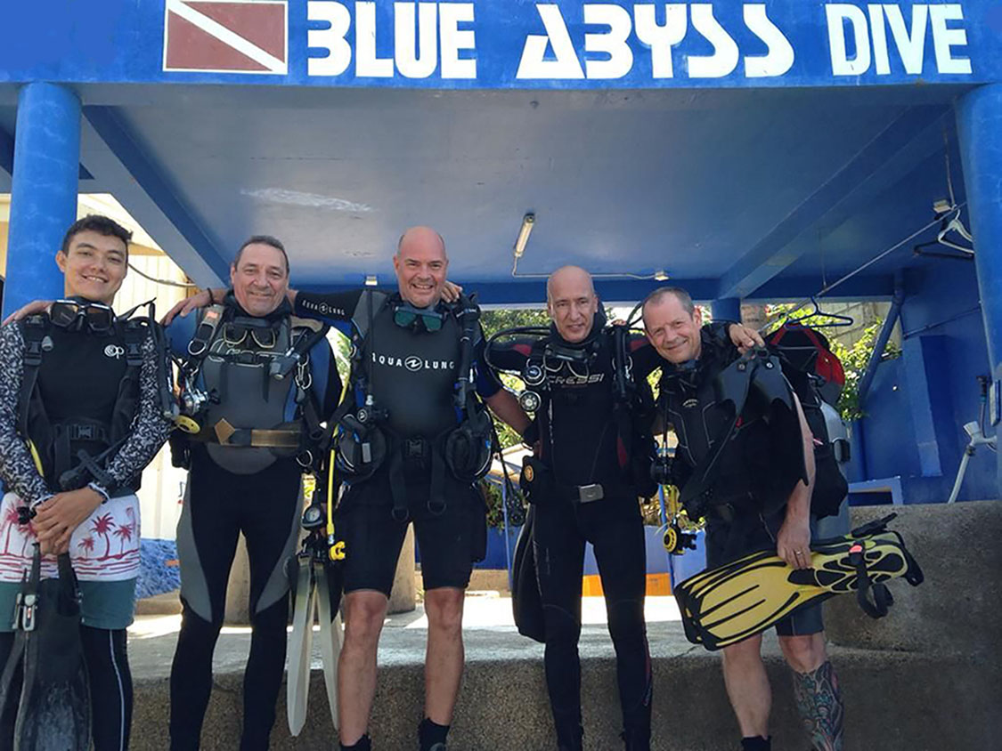 Tauchkurse Blue Abyss Dive Shop Moalboal
